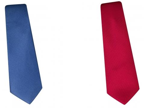 L'homme chic sait reconnaître la qualité de la cravate